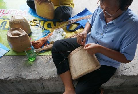 和小物さくら タイの手編み籠製作風景