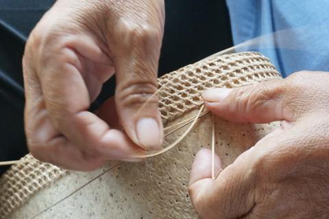 和小物さくら タイ職人の手編み技術