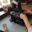 和小物さくら バッグ縫製屋さん 革を漉く