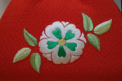 横振りミシンを使った横振り刺繍