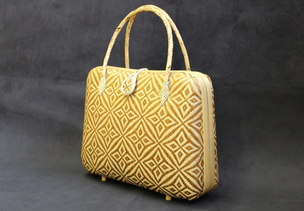 wakomono-sacra bag