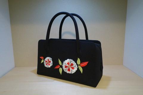和小物さくら 花柄のバッグ